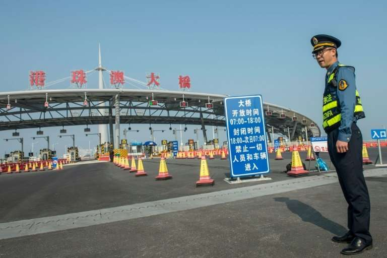 For whom the toll booths? There will be a charge for driving from Zhuhai to Hong Kong