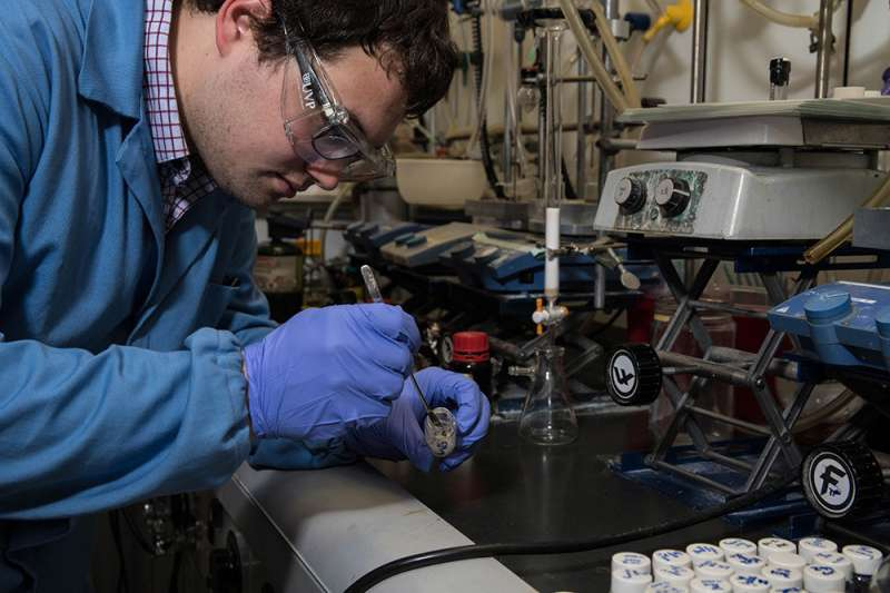 From beaker to solved 3-D structure in minutes