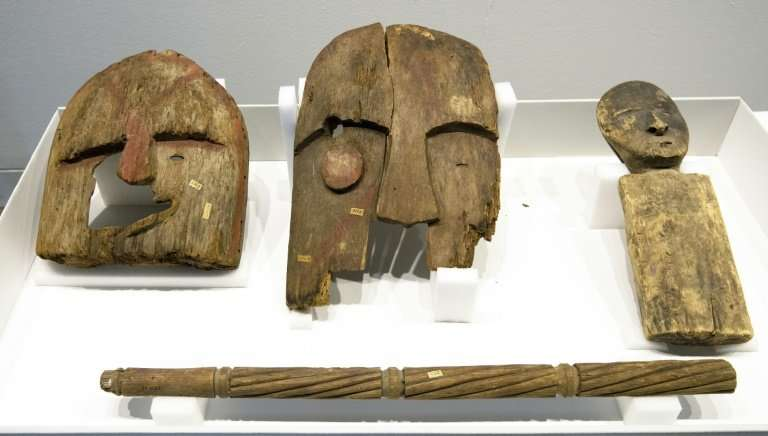 Germany has returned nine artefacts belonging to indigenous people in Alaska after determining that they were plundered from gra