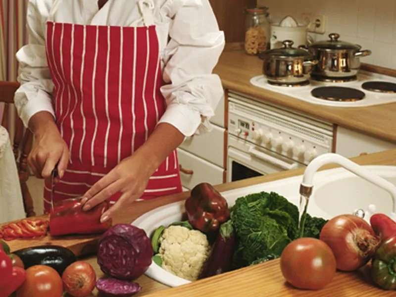 Going vegetarian to cut colon cancer risk