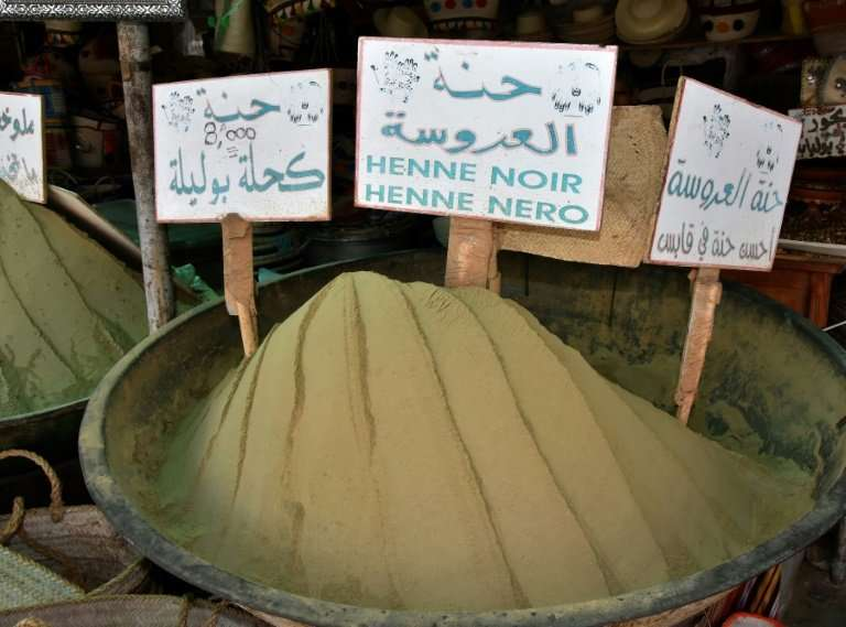 Henna powder for sale in Gabes