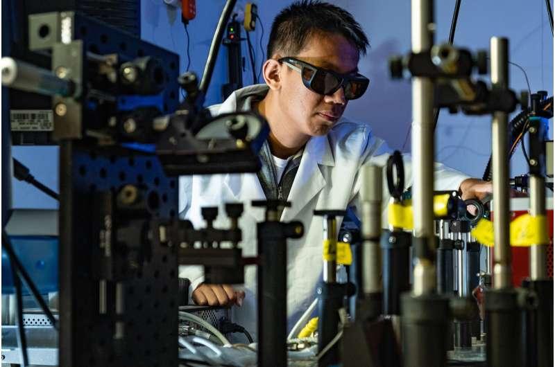 Light makes Rice University catalyst more effective