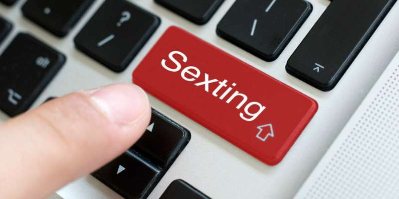 Lots of sexting can wreck a romance
