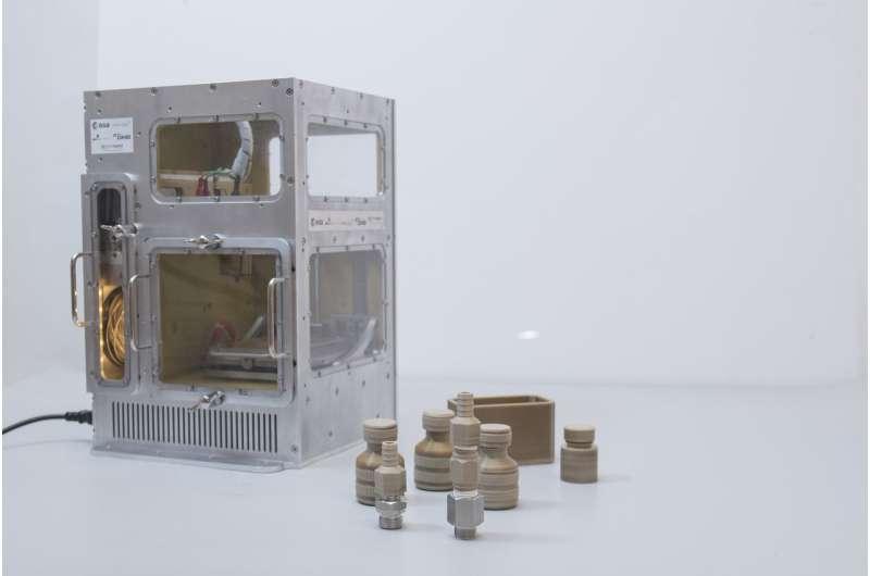 MELT 3-D printer