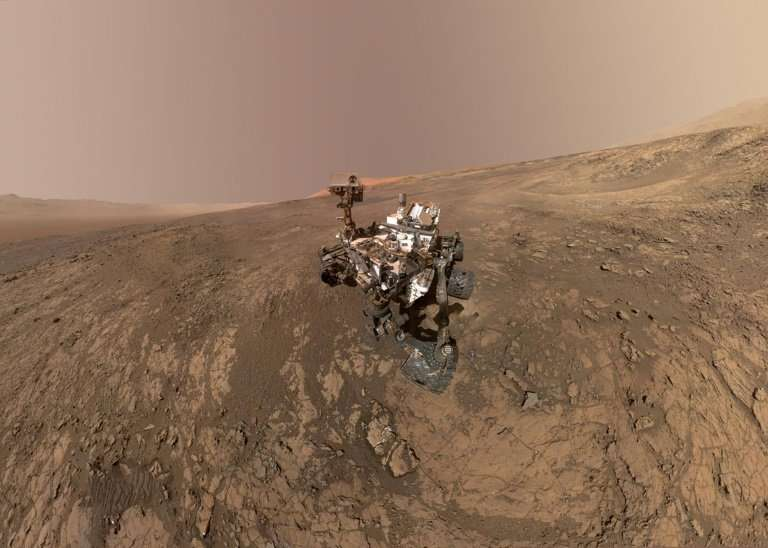 NASA's InSight lander aims to be the first to reach Mars since the Curiosity rover, pictured here on Mars' Vera Rubin Ridge, whi