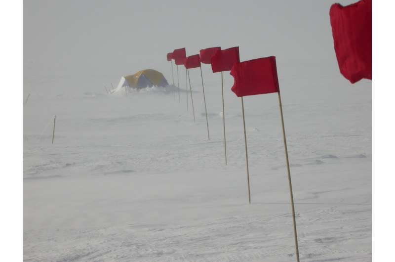 New study explains Antarctica's coldest temperatures