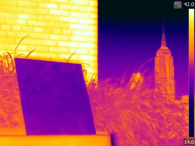 Polymer coating cools down buildings
