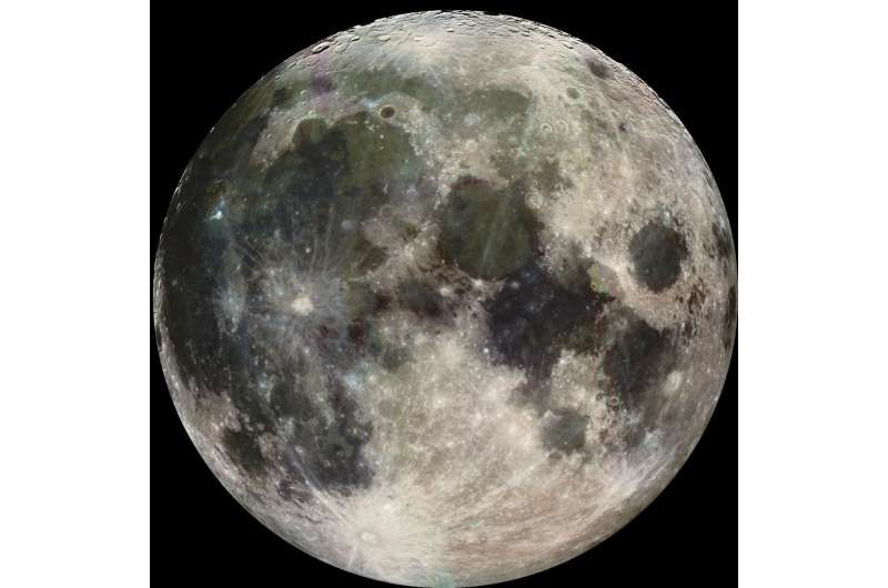 Scientists sift through lunar dirt for record of early Earth's rocks