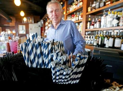 Seattle bans plastic straws, utensils at restaurants, bars