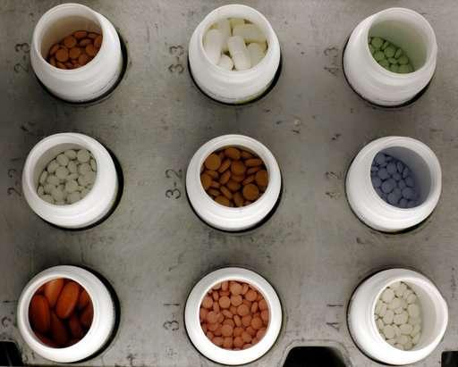 Seniors scrimp but still spend more for meds