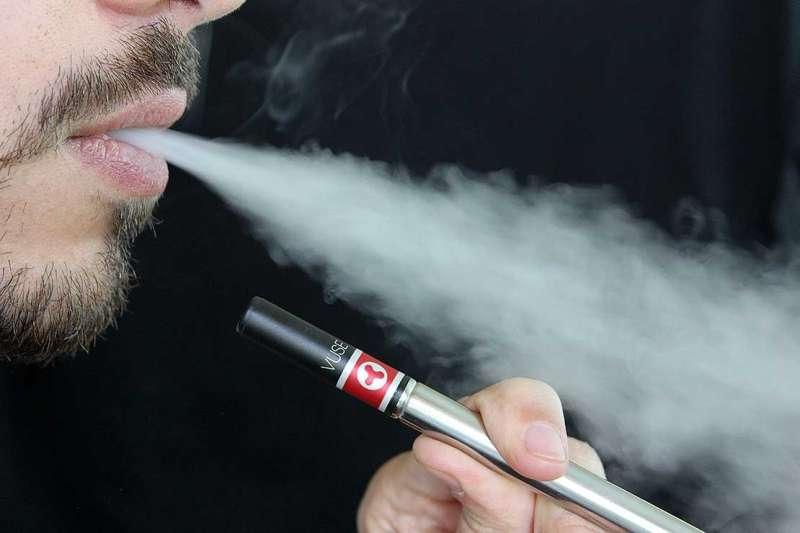 Stopping smoking main reason for vaping