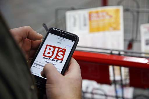 Stores make push in scan and go tech, hope shoppers adopt it