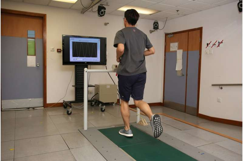 Study finds running with soft footfalls reduces injury