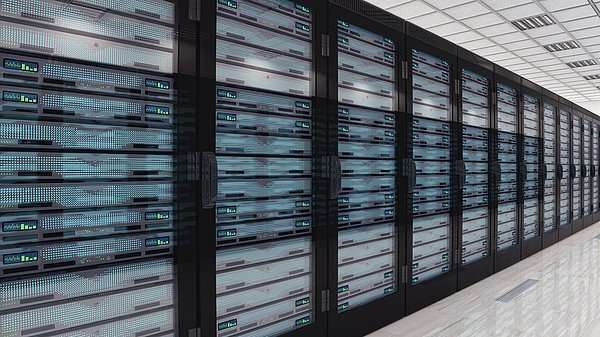 Switching gears toward efficient datacenters with photonics