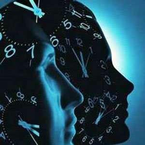To predict the future, the brain has two clocks