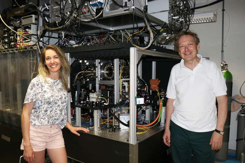 Unexpected behaviour of atom clouds challenges existing theories