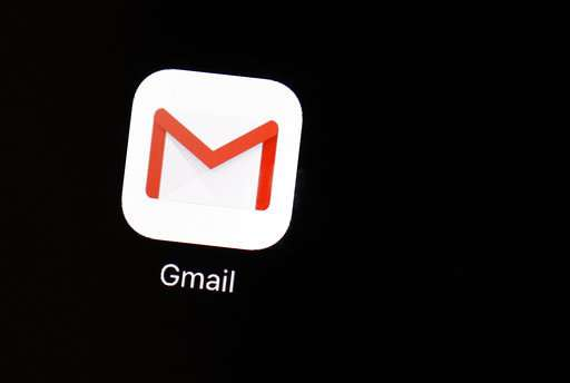 Useful or creepy? Machines suggest Gmail replies