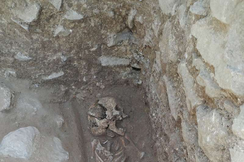 'Vampire burial' reveals efforts to prevent child's return from grave