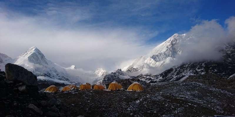 'Warm' ice in world's highest glacier