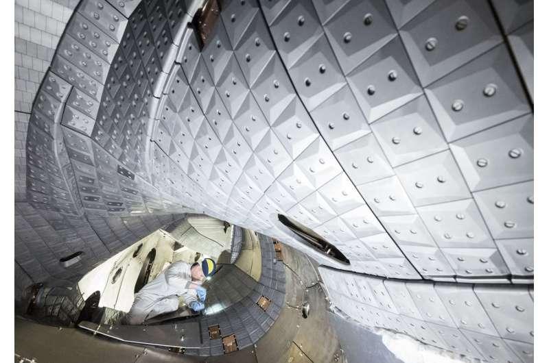 Wendelstein 7-X achieves world record