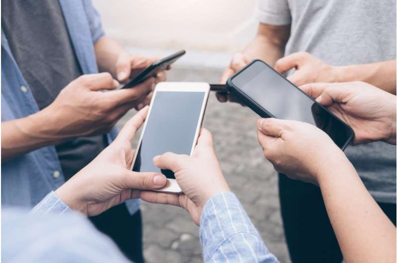 We're not addicted to smartphones, we're addicted to social interaction