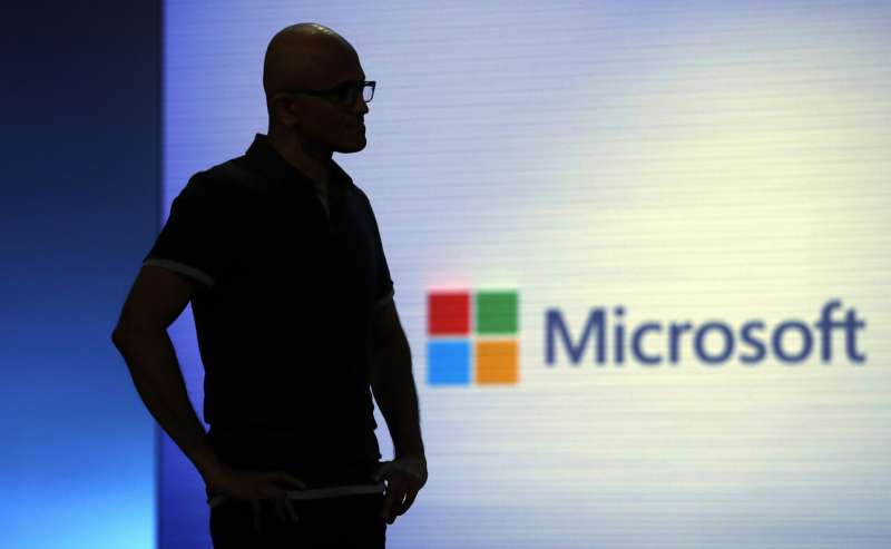 Amazon, Microsoft wage war over the Pentagon's 'war cloud'