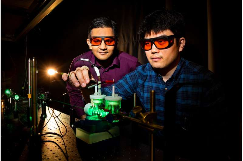 Artificial photosynthesis transforms carbon dioxide into liquefiable fuels