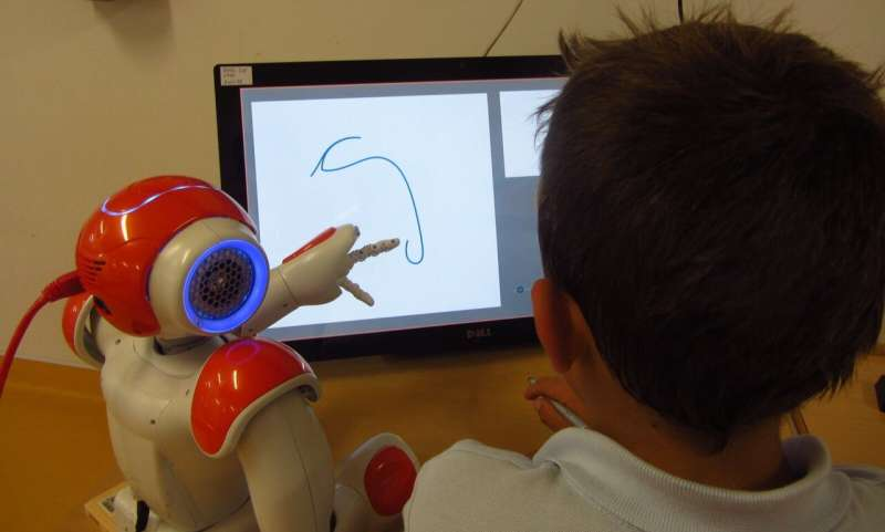 A social robot to enhance children's handwriting skills