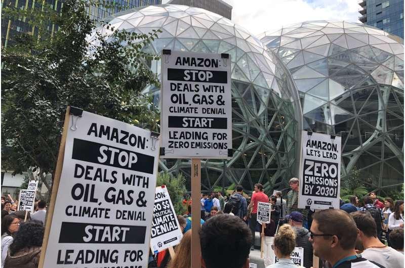 Big Tech's eco-pledges aren't slowing its pursuit of Big Oil