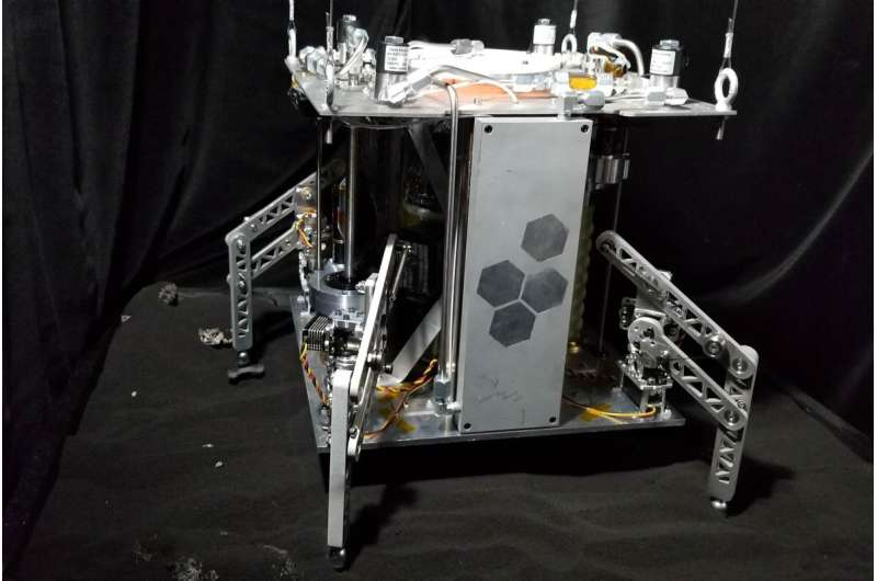 """Steam-propelled spacecraft prototype can theoretically explore celestial objects """"forever"""""""