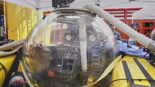 Sub makes rapid ascent in Indian Ocean; crew safe
