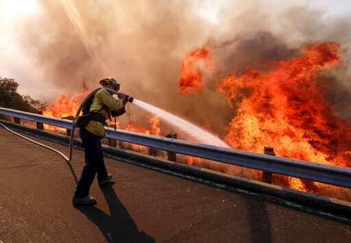 US shutdown stalls training, other prep for wildfire season