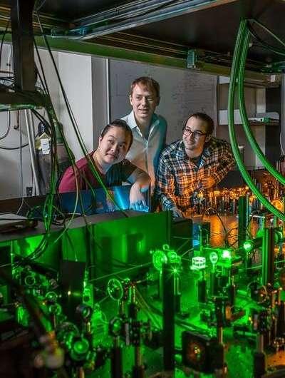 Penn engineers design nanostructured diamond metalens for compact quantum technologies