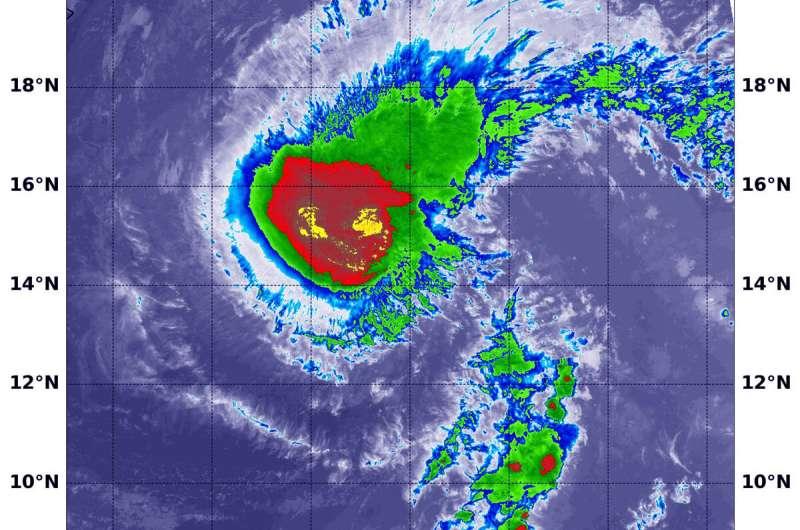 NASA-NOAA satellite sees Erick still hanging as a hurricane