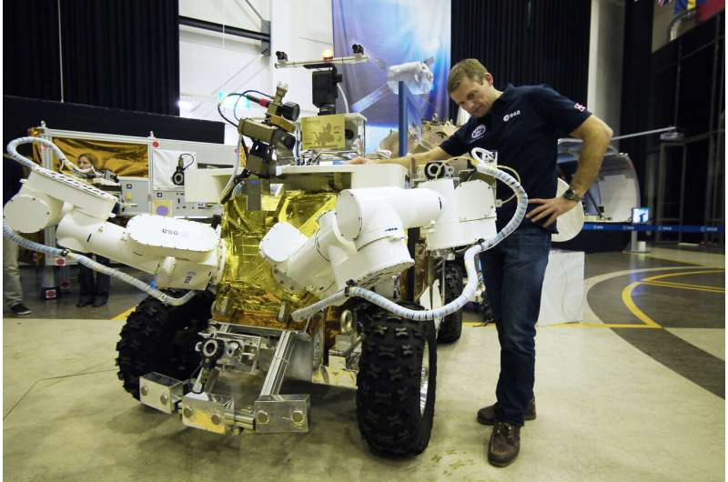 Controlling robots across oceans and space