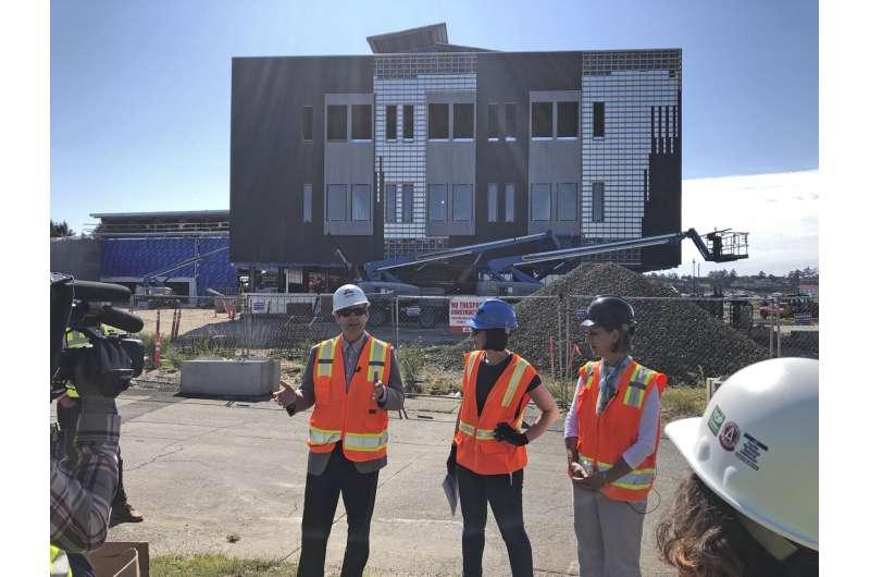 Critics blast Oregon repeal of tsunami-zone building ban