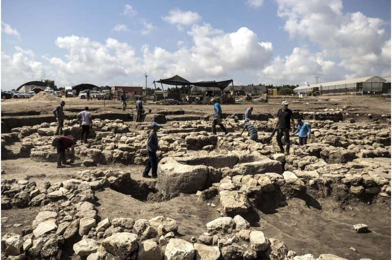 Israeli archaeologists claim to discover ancient city
