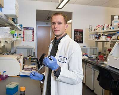 Study finds inflammatory protein can protect against spread of herpes virus