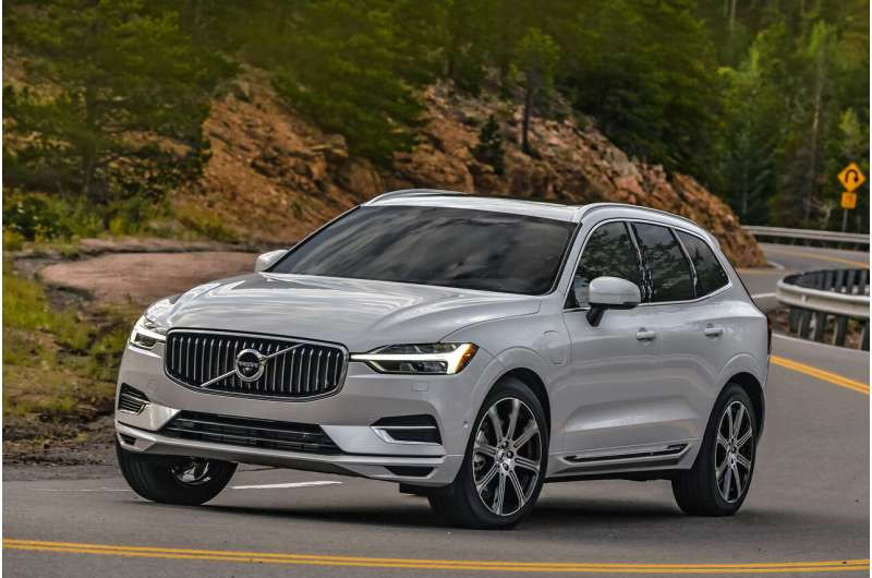 Edmunds picks top fuel-sipping SUVs