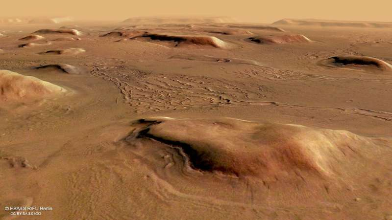 Fractured ice sheets on Mars