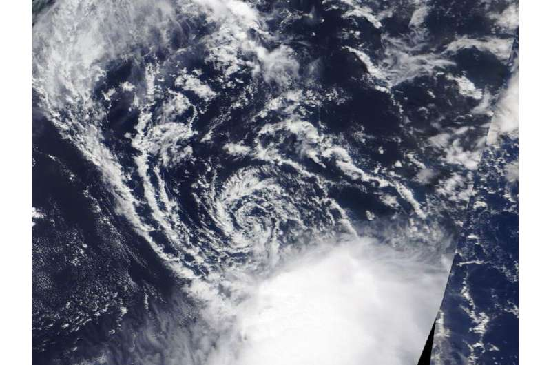 NASA finds wind shear affecting Tropical Depression Erin