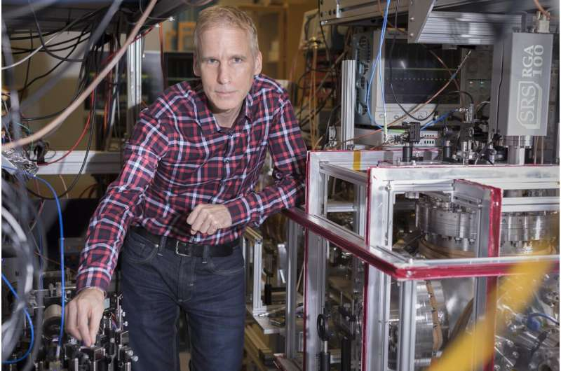 Scientists measure precise proton radius to help resolve decade-old puzzle
