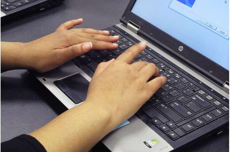 Student 'geek squads' maintain school devices, help teachers