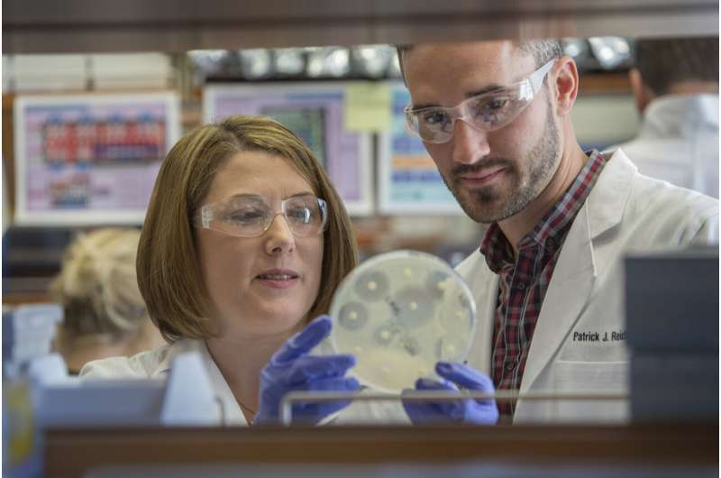 Drug-resistant staph can spread easily in household environments