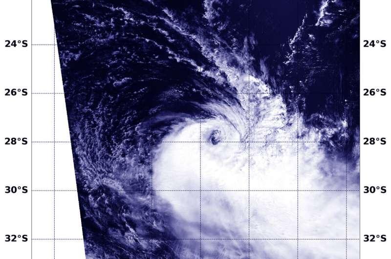 NASA's Aqua satellite finds winds battering Tropical Cyclone Gelena
