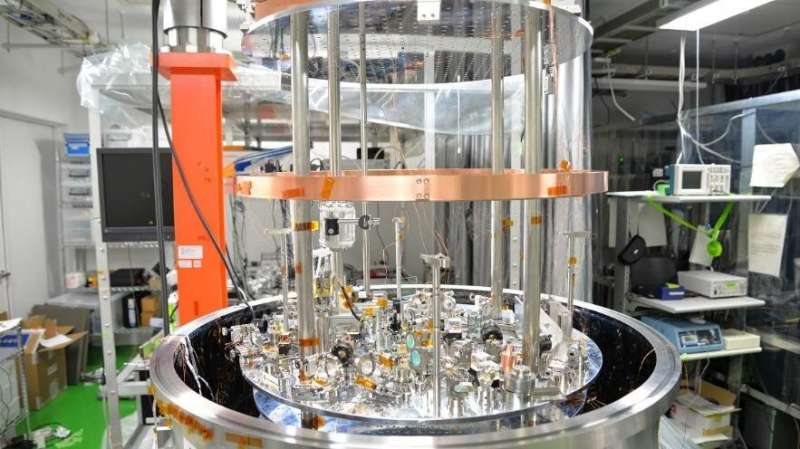 Development of a displacement sensor to measure gravity of smallest source mass ever