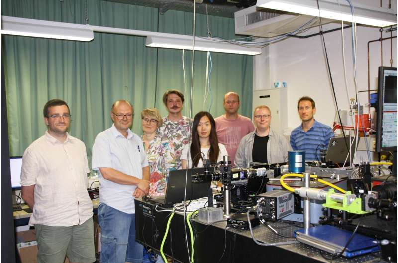 Researchers move forward in explaining atomic causes of high temperature superconductivity