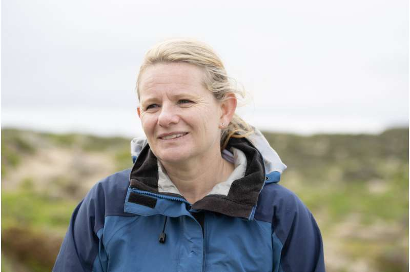 Saving Australia's sea lion population