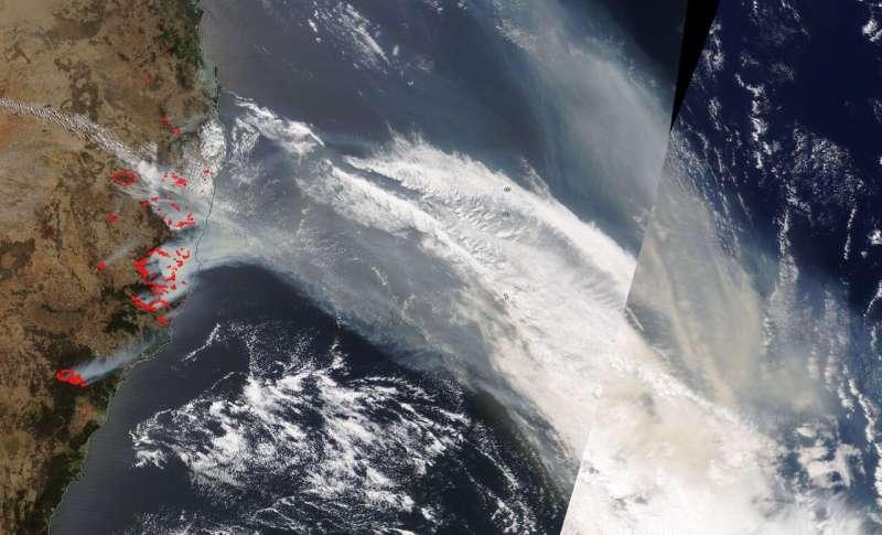 NASA's Terra satellite sees fire and smoke from devastating bushfires in Australia