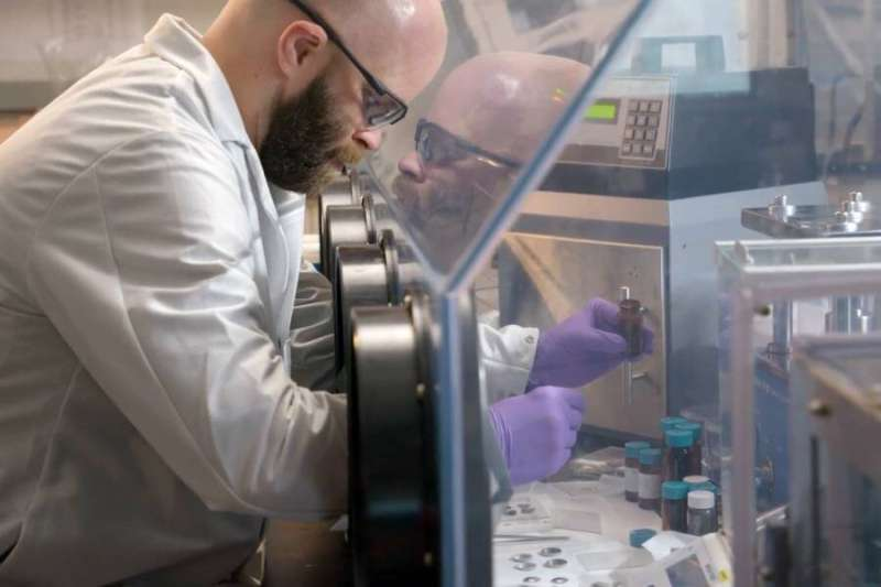 Scientists develop a lithium-ion battery that won't catch fire
